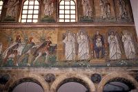 Ravenna_-_Sant'Apollinare_Nuovo,_l'adorazione_dei_Magi